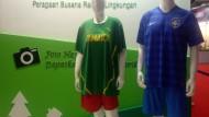 Kaos Sepakbola Dari Limbah Plastik