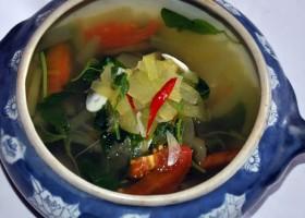 Sayur Bayam Bening Plus Kulit Semangka