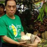 Bupati Banjarnegara Juru Lelang Durian Lokal